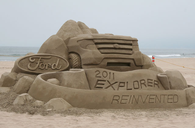 2011-ford-explorer-sand-sculpture