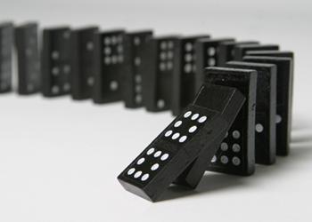 Domino-effect-350